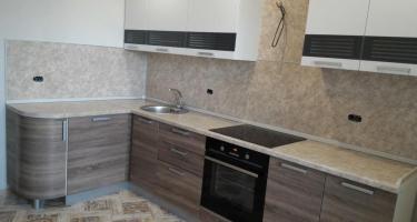 Кухонный гарнитур «БАЛИ» дуб санома темный/ белый матовый, фабрика «СБК», Ставрополь